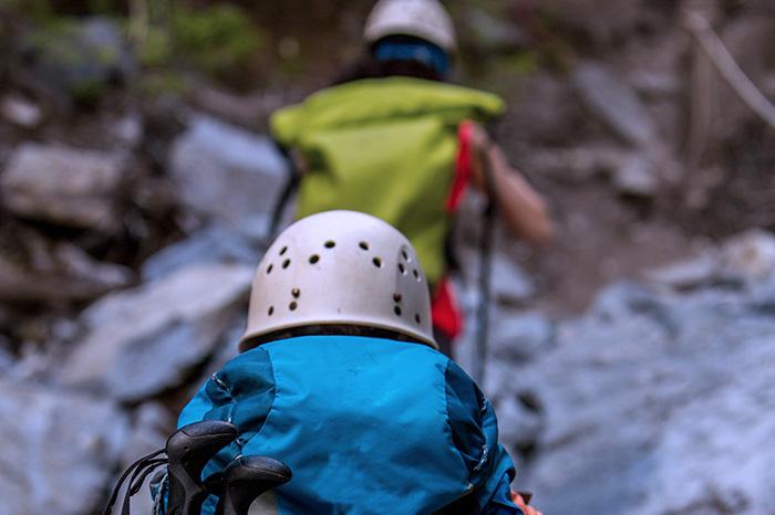 Hacer trekking en grupo