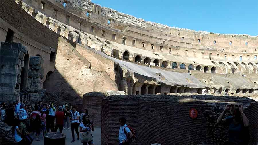 gradas del anfiteatro flavio