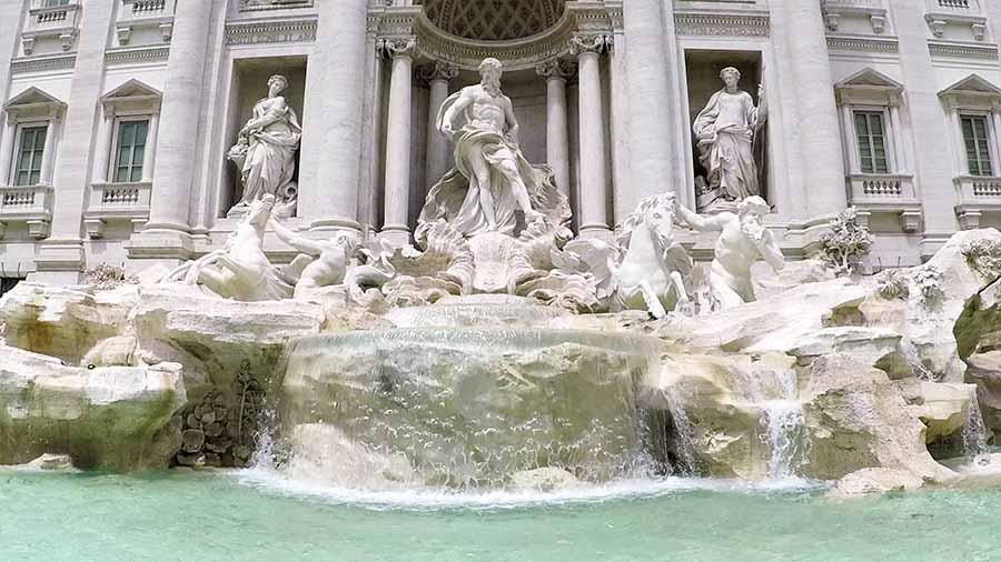 Quién construyó la Fontana de Trevi