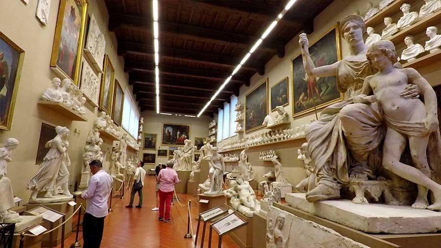 galeria de la academia de florencia en italia