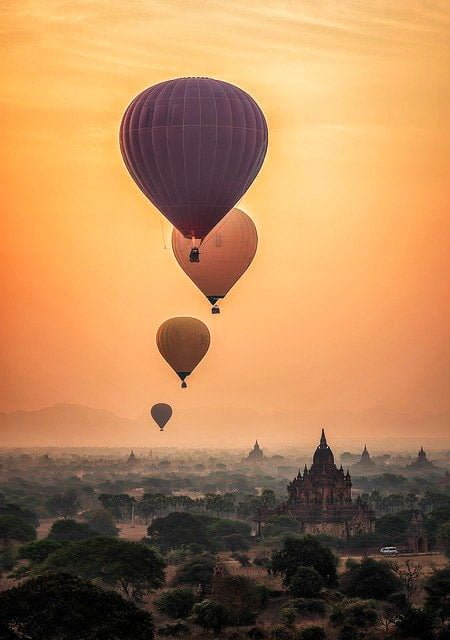 Viaje en globo por el mundo