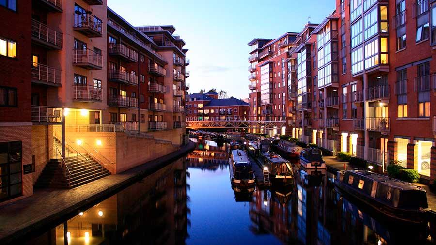 Tienes que ver en Inglaterra sus hermosos canales