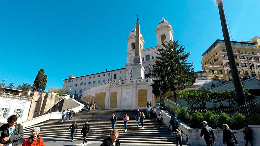 iglesia trinita dei monti