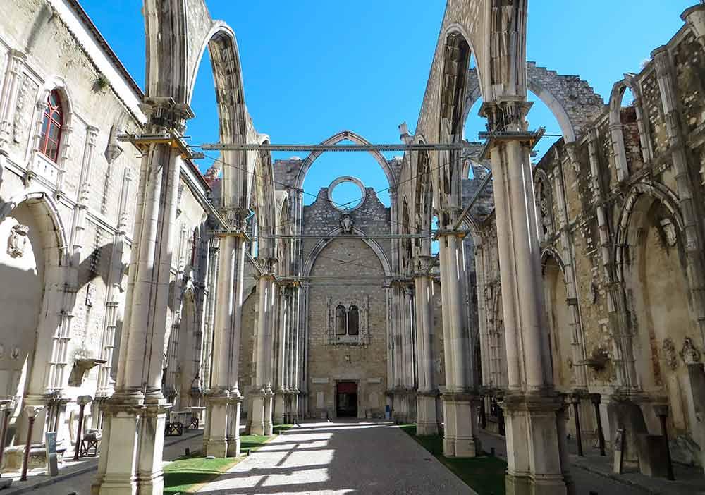 Convento do Carmo, uno de los imprescindibles de lo que hay que ver en Lisboa.