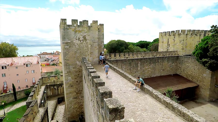 Vista del Castillo de San Jorge desde una de sus torres.